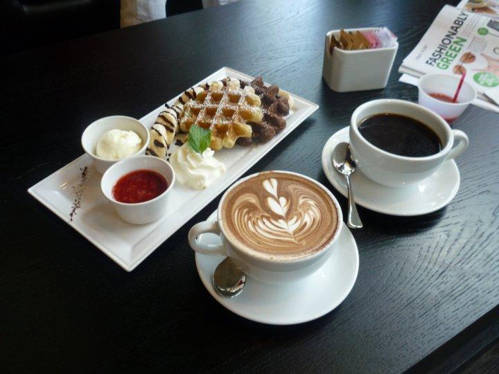 Resultado de imagem para coffee and waffles